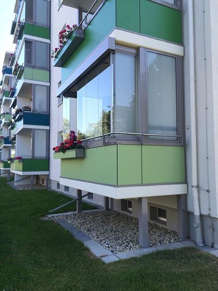 Balkonverglasung geliefert und montiert Dresden